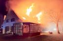 De gerenoveerde villa langs de Pollepelstraat in Geluwe brandde als een toorts.