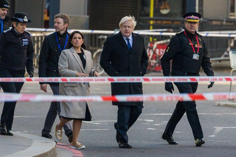 Premier Johnson bracht deze morgen met minister van Binnenlandse Zaken Priti Patel een bezoek aan de plaats van de aanval.