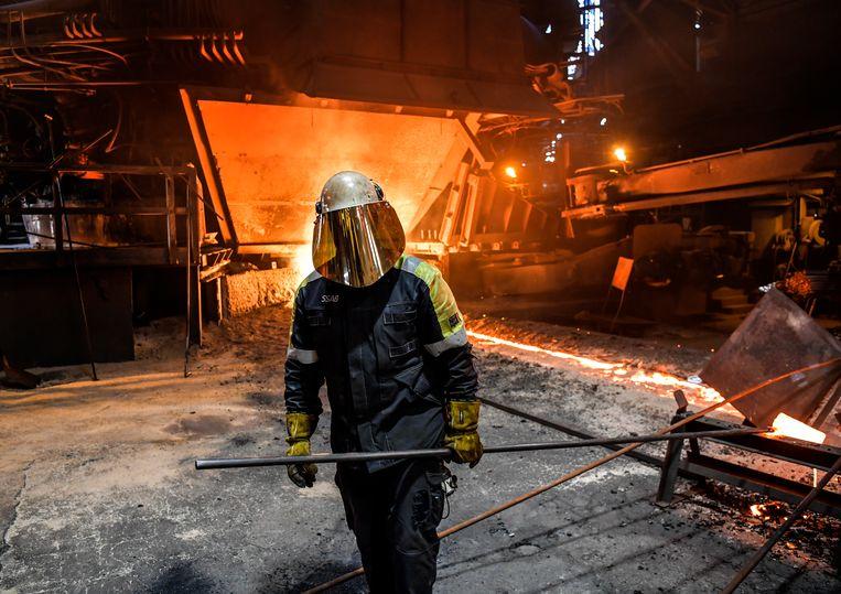 De staalfabriek in Oxelösund van SSAB. Anders dan bij Tata in IJmuiden zijn er in de omgeving niet meer gezondheidsklachten.  Beeld Anders Wiklund / TT