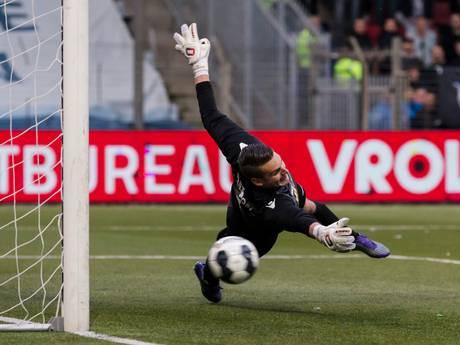 FC Den Bosch sluit af met winst op bizarre avond