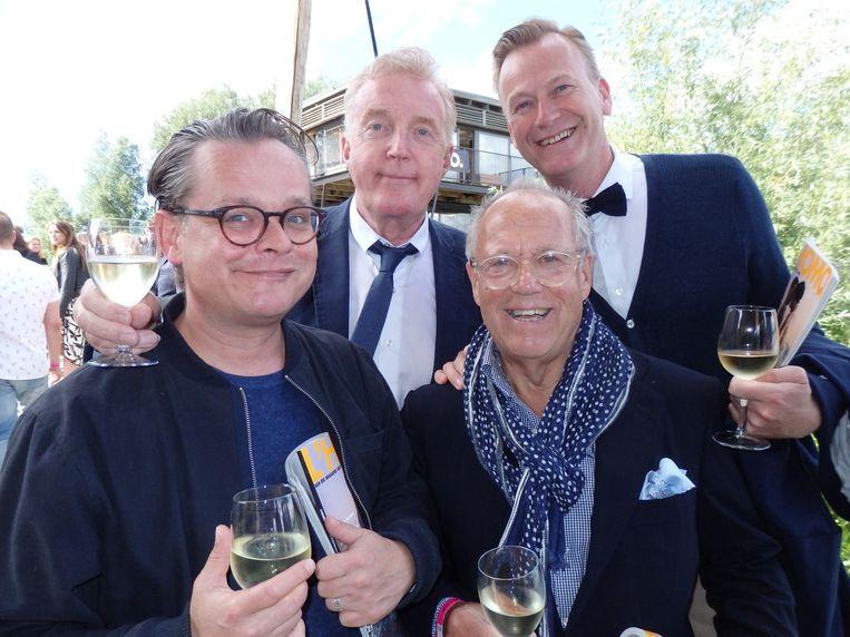 Scenarioschrijver Frank Houtappels, komiek des vaderlands André van Duin, chef-kok des vaderlands Joop Braakhekke en Martin Elferink, Van Duins partner (vlnr). Beeld Schuim