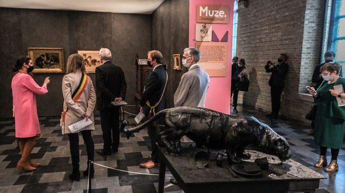 """""""Het aantal kunstwerken met katten wordt schromelijk onderschat"""", aldus Sandrin Coorevits, directeur van het Yper Museum."""
