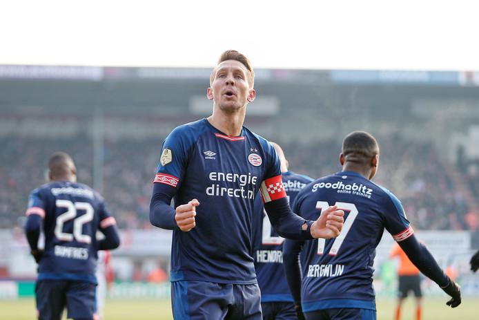 Luuk de Jong na zijn 0-1 in Emmen.