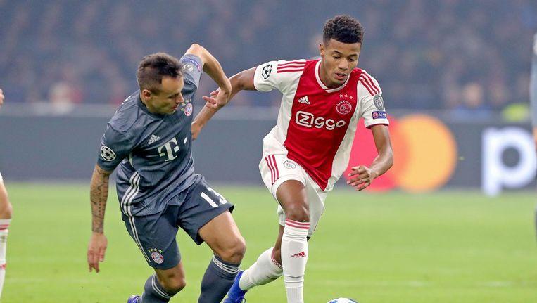 David Neres in actie in de Champions League tegen Bayern Munchen Beeld ANP