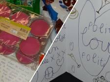 Hartverwarmend: politie Almelo overladen met cadeaus (maar de coronarellen zorgen ook voor problemen)