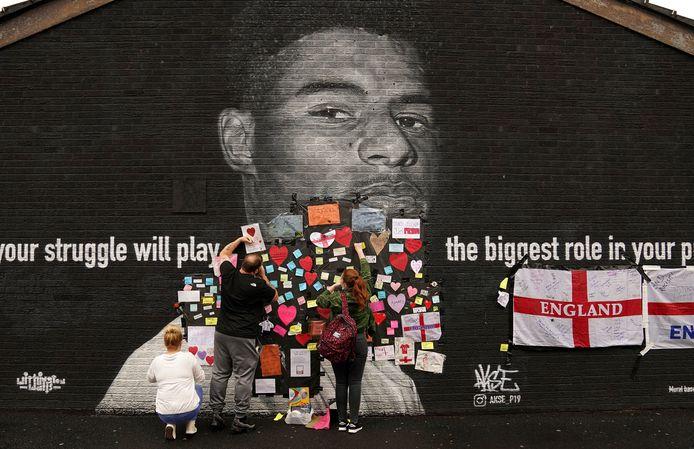 A Withington, une fresque murale à l'effigie de Marcus Rashford a été recouverte de graffitis racistes
