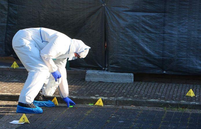 Het forensisch onderzoek in de Madeliefstraat in Vught duurde tot in de avond.
