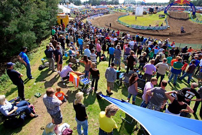 Publiek langs het crossparcours in De Herselse Bossen bij de Grand Prix van Lierop.