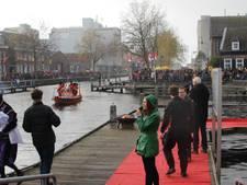Storm, regen en heel veel pieten bij inkomst Sint in Veghel
