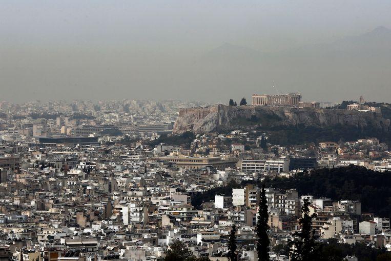 Grote hoeveelheden fijn zand uit de Sahara beperken het zicht in grote delen van Griekenland.