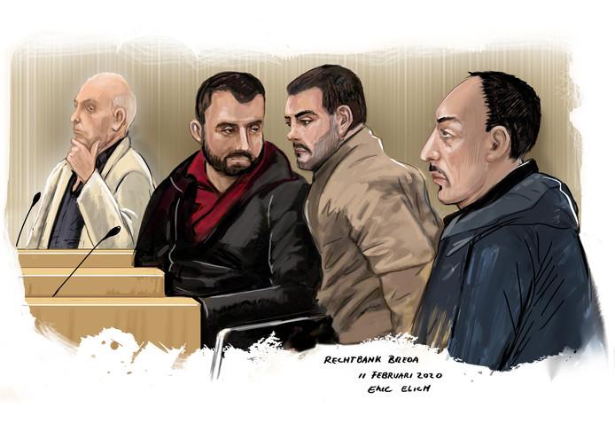 Rechtbanktekening. Van links naar rechts de verdachten Cor B., de Mexicaanse broers Victor en Diego V.J. en hun landgenoot Candelario V.L..