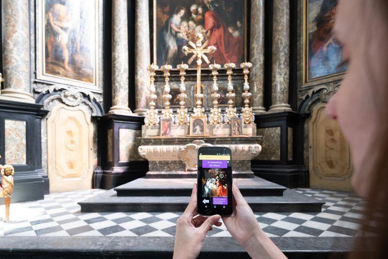 Dankzij een scan met het cameraoog van je smartphone wordt op je scherm iets aan de realiteit toegevoegd.