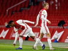Wie wordt de vaste mandekker bij Ajax: de 'cipier' of de 'bouwer'?