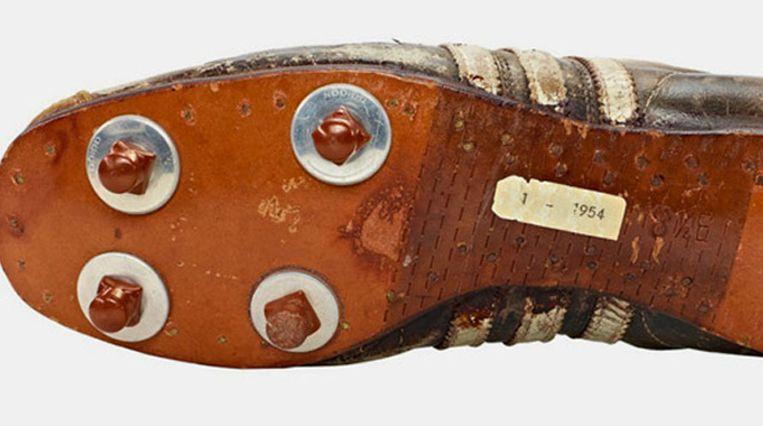 De eerste voetbalschoen met verwisselbare noppen, van Adidas Beeld Adidas