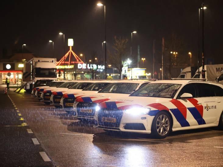 Al tientallen boetes uitgedeeld bij grote politiecontrole  langs A2 bij Zaltbommel na ingang van avondklok