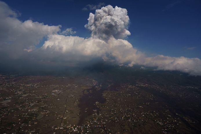 Een luchtfoto van de vulkaan El Paso vandaag.