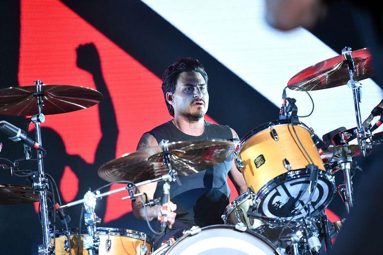 Drummer Brad Wilk zorgt voor hoop bij de Rage Against the Machine-fans.