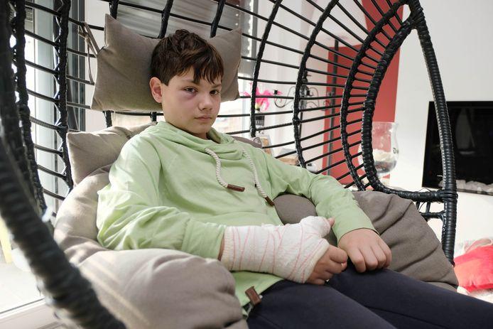 Mauro, 12 ans, a été agressé par un adolescent alors qu'il attendait sa mère sur le pas de leur porte