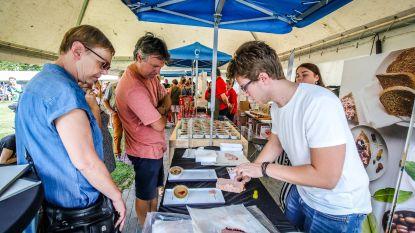 Streekproductenmarkt flink gesmaakte afsluiter zomervakantie, ook Grote Braderie lokt massa volk