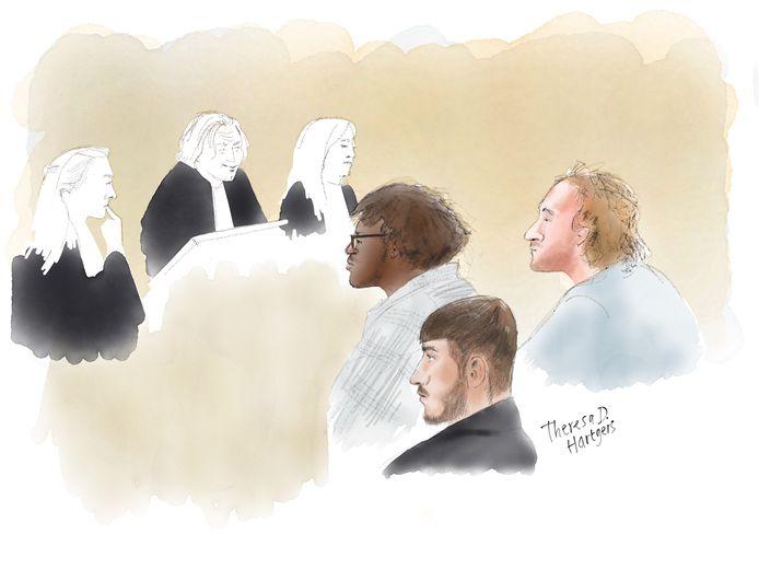 Drie van de vier verdachten die woensdag voor de rechter verschijnen vanwege hun betrokkenheid bij de Rotterdamse avondklokrellen.
