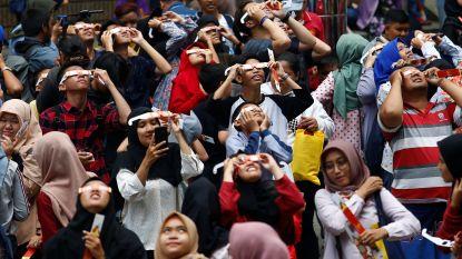 Gedeeltelijke zonsverduistering in Azië: massa's mensen bewonderen magische 'ring van vuur'