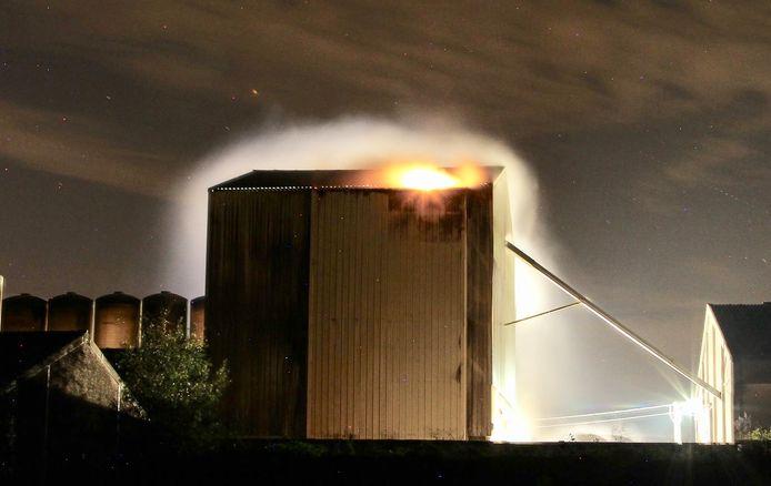 Met de brand in de droogtoren ging een flinke rookontwikkeling gepaard.