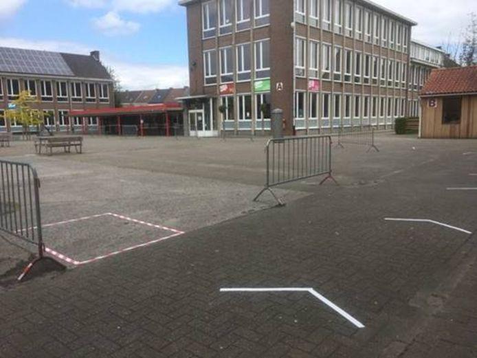 Er werd deze week in het IKSO hard gewerkt om de site Middenstraat coronaproef te maken.