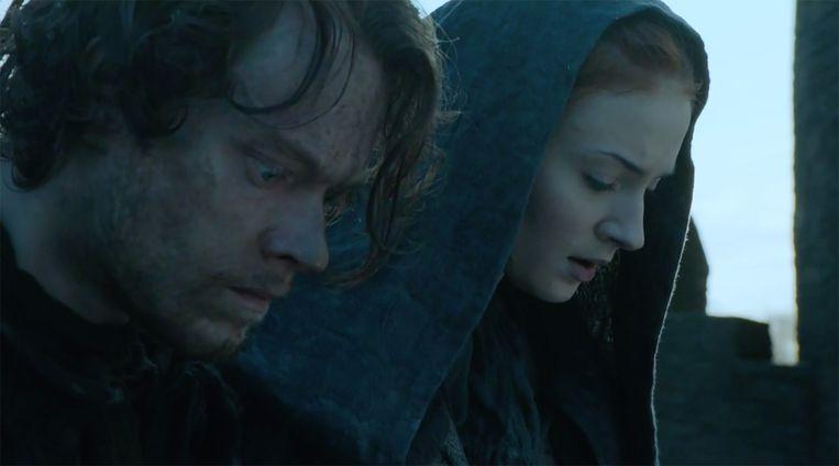 Theon en Sansa springen van het fort. Beeld HBO