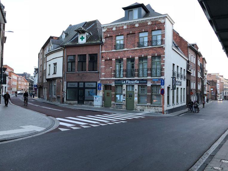 De feiten begonnen in de Naamsestraat. Daarop liepen de twee slachtoffers links de Parkstraat in.