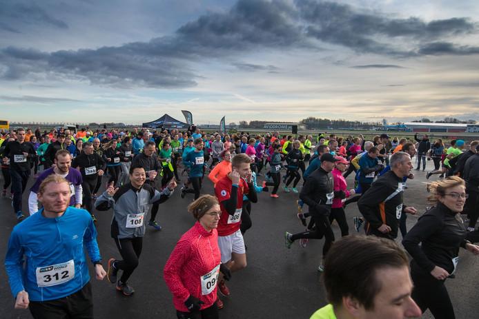 De eerste Runway Run op Lelystad Airport in 2017.