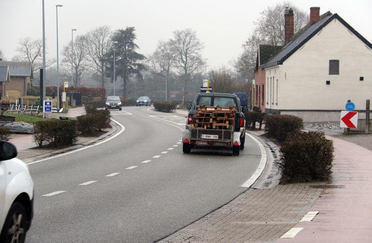 In de S-bocht gebeuren regelmatig verkeersincidenten.