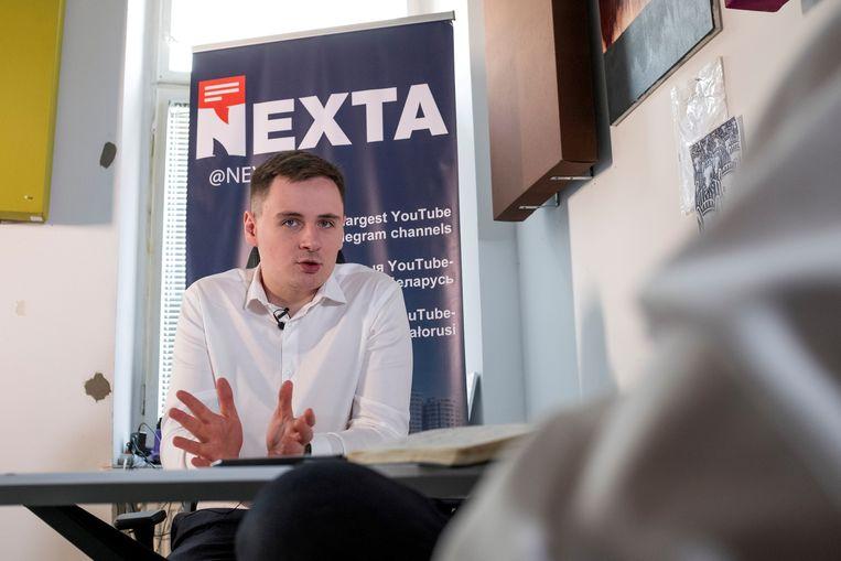 Stepan Poetsilo op het kantoor van Nexta in Warschau. Beeld REUTERS