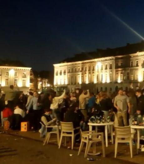 """Viroloog Van Ranst over de honderden feestende jongeren op het Gentse Sint-Pietersplein: """"Zulke taferelen tonen aan dat avondklok zeer nuttig blijft"""""""