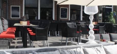 Horecazaken in Rhenen zijn het zat en zetten terras buiten uit protest tegen coronamaatregelen