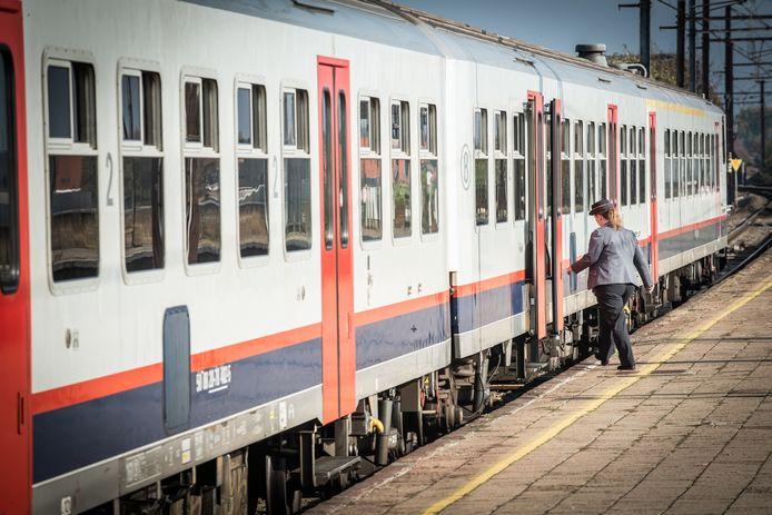 De NMBS zette de testen met de nieuwe vertrekprocedure stop na een incident in het station van Brussel-Noord.