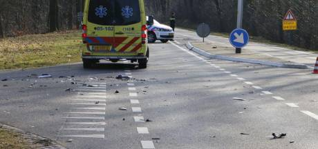 Motorrijder gewond bij aanrijding op N350 bij Holten