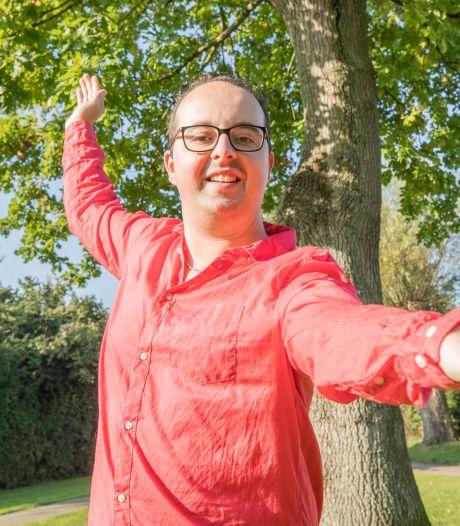 Danny haakt na 25 uur af in Dansmarathon: 'geweldige ervaring met een smetje'