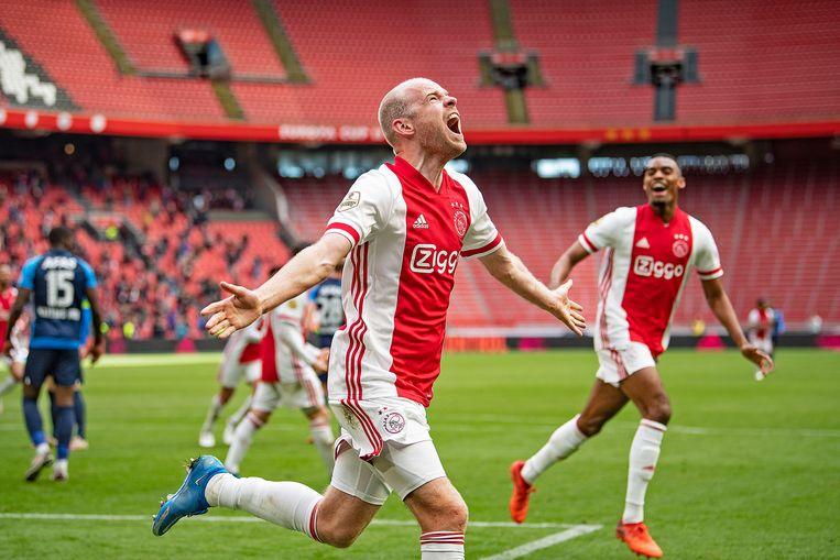 Davy Klaassen viert zijn doelpunt voor Ajax. Hij scoorde twee keer voor de Amsterdammers. Beeld Guus Dubbelman / de Volkskrant