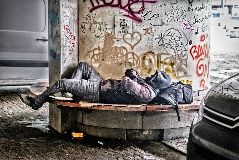 Een dakloze man in Brussel.  Beeld Tim Dirven