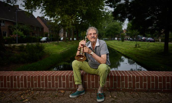 Jazzkapper Ruby Reinier runde 25 jaar een populaire kapsalon op de Kaap: 'In het weekend speelde ik de Rotterdamse bars plat'
