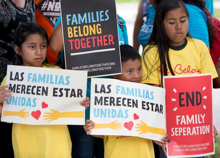 Immigrantenkinderen protesteren tegen het immigratiebeleid in de Verenigde Staten. Beeld AP