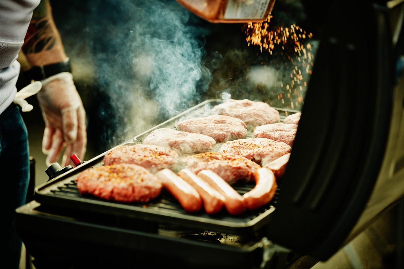 La viande hybride est en vente dans les magasins Carrefour.