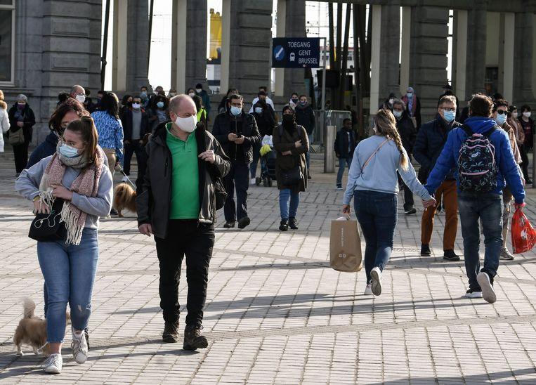 Ook het voorbije weekend bracht het mooie weer veel volk op de been naar Oostende.  Beeld Photo News