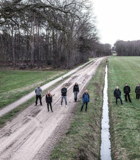 Breed protest tegen bedrijventerrein aan Misterweg vlakbij waterwingebied: 'Prutswerk'