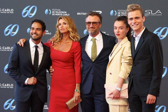 """Samy Gharbi, Ingrid Chauvin, Alexandre Brasseur, Camille Genau et Hector Langevin, le casting de """"Demain nous appartient"""", à l'ouverture du Festival de Télévision de Monte-Carlo."""