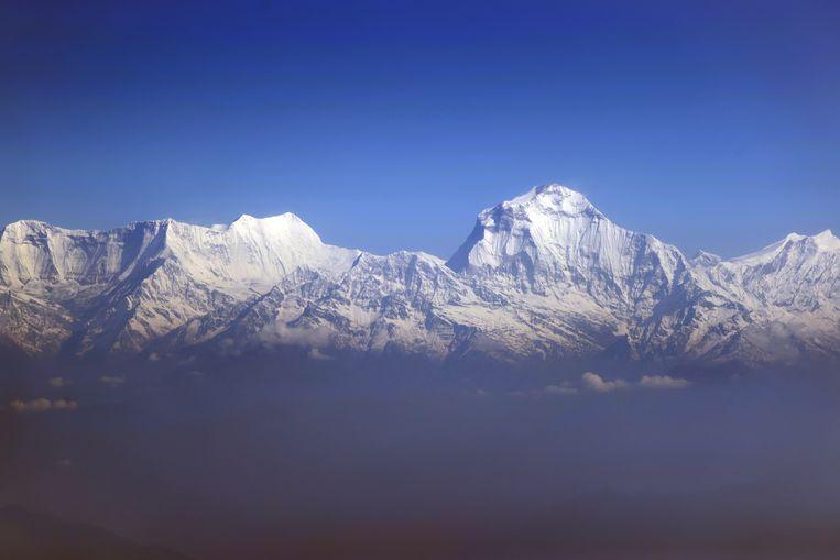 De Himalaya in Nepal. In de toekomst die de Utrechtse geologen voorzien, zal dit gebergte juist erg afvlakken. Beeld Getty