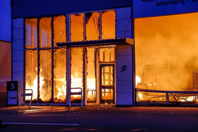 Zeer grote brand in Raamsdonksveer
