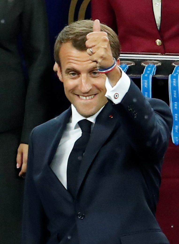 Macron steekt zijn enthousiasme niet onder stoelen of banken.