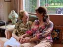 Rachel Geldof op haar 101ste verjaardag, hier met metekind Patricia De Waele.