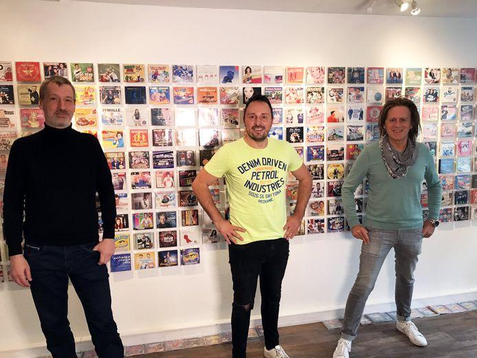 Johan Veugelers (midden) samen met de mannen achter het Duitse label.